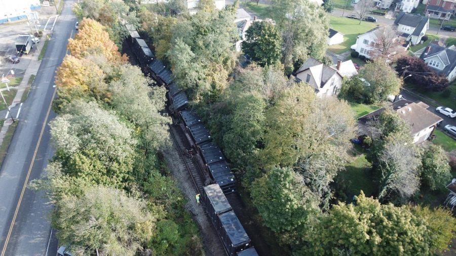 Train+derails+along+Maysville+Avenue