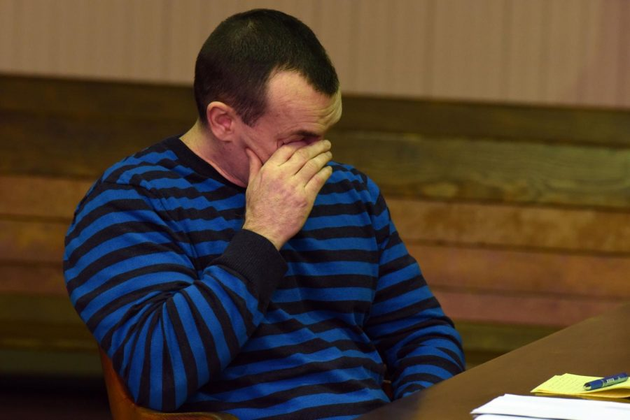 John+J.+Iden%2C+Jr.+becomes+emotional+while+his+defense+attorney%2C+Jeff+Blosser%2C+presents+his+closing+statement+on+Monday.