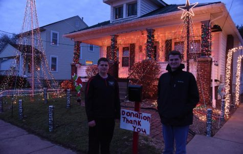 Brothers produce light show for the holidays