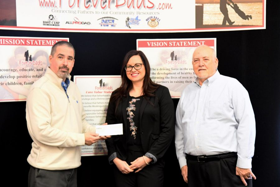 DaVita Dialysis giving back to community by presenting check