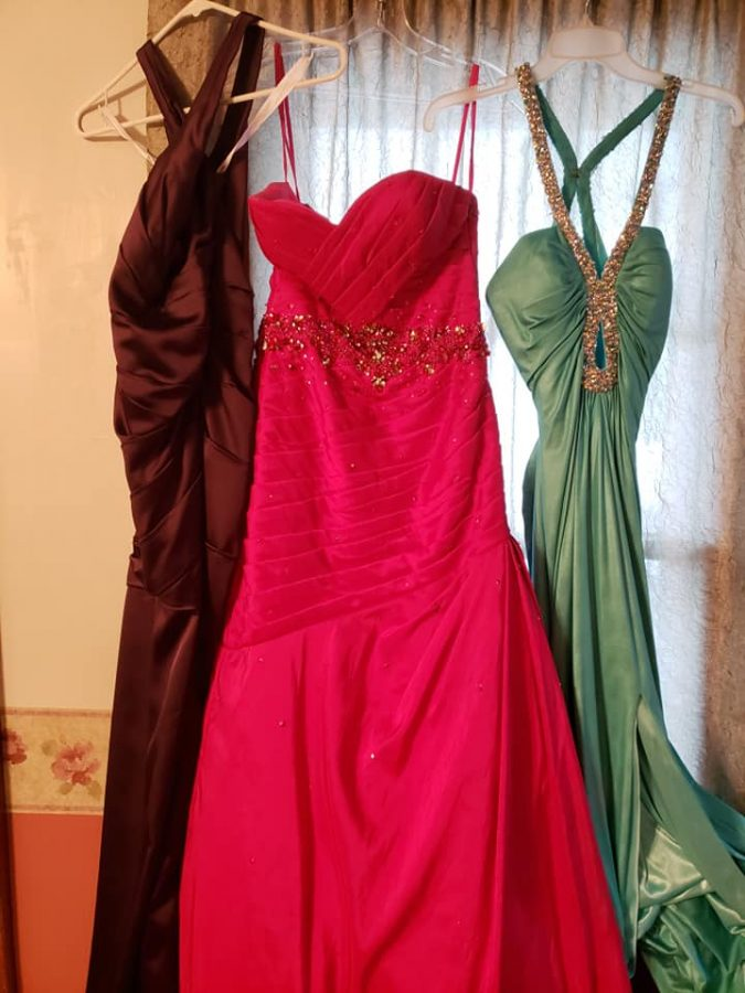 A+few+of+the+dresses+available+in+Clawson%27s+inventory.+