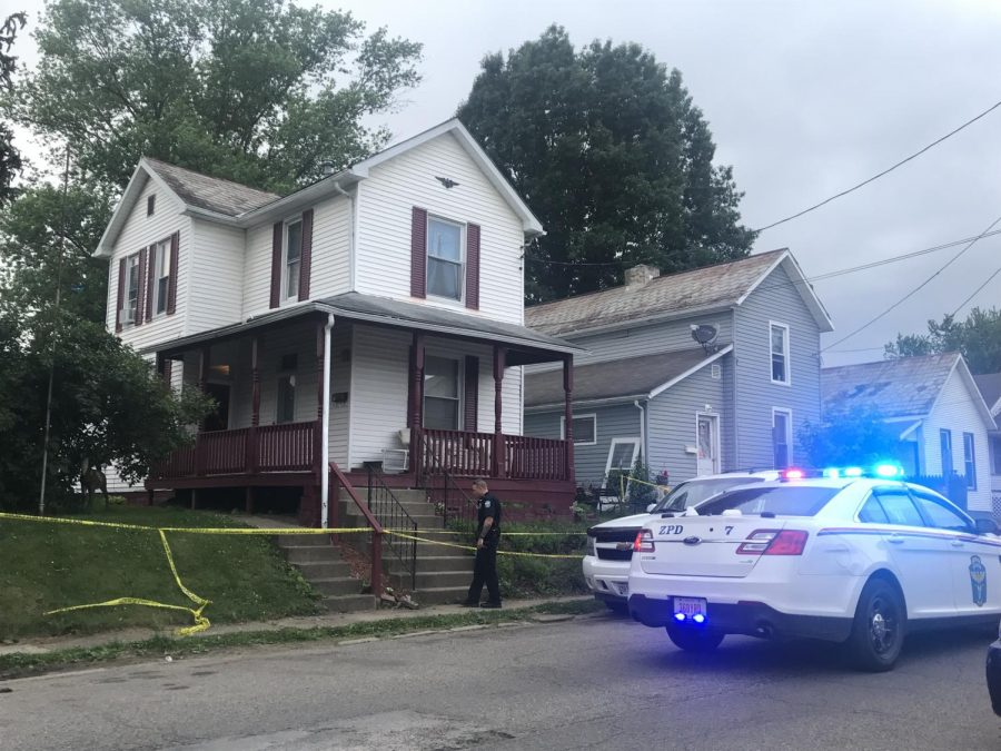 Police+investigating+possible+double+shooting+on+Spangler