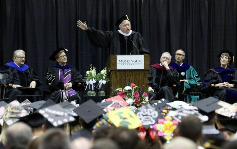 WNBA coach Dan Hughes shares life lessons with fellow Muskies at graduation