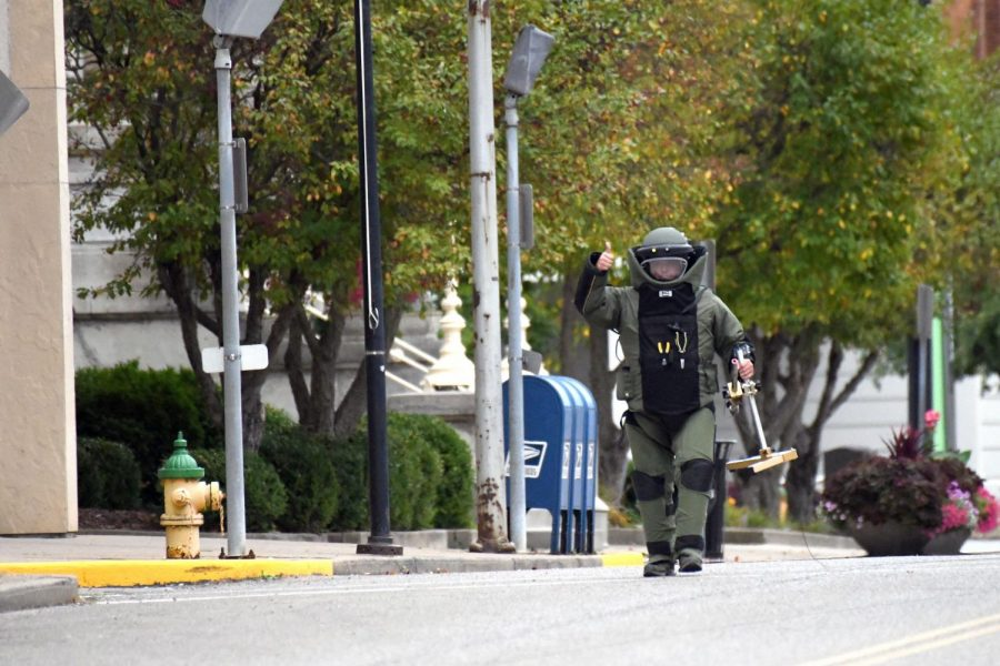 Bomb+Squad+turns+attention+toward+Police+Department+after+detonation+near+courthouse