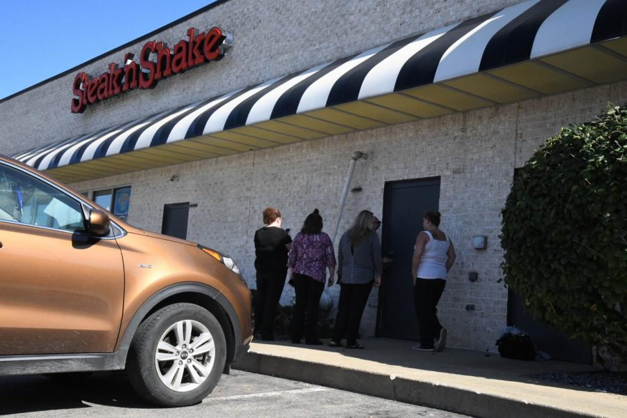 Car+into+Steak+%27n+Shake+closes+restaurant