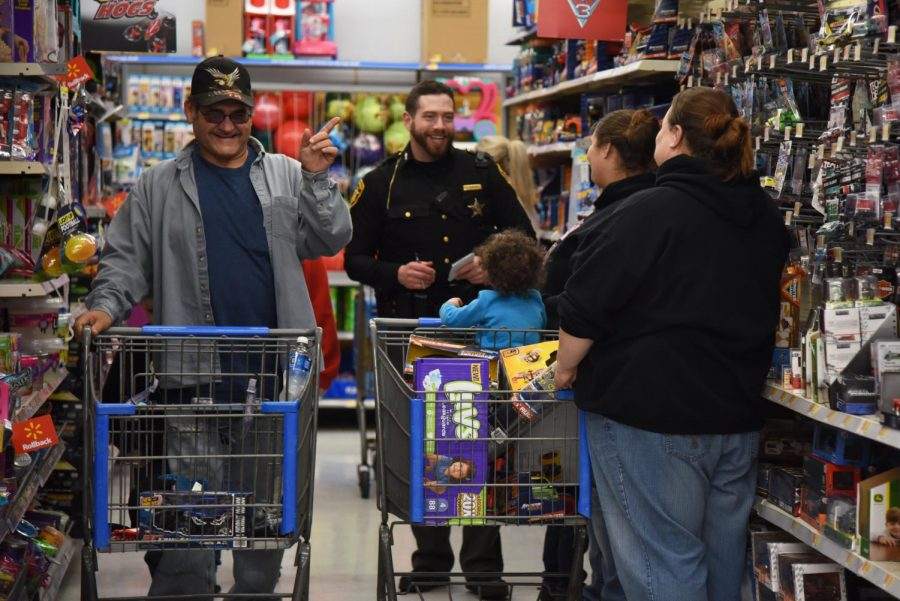 Local+FOP+lodge+hosts+annual+%27Shop+with+a+Cop%27+Monday+for+disadvantaged+children