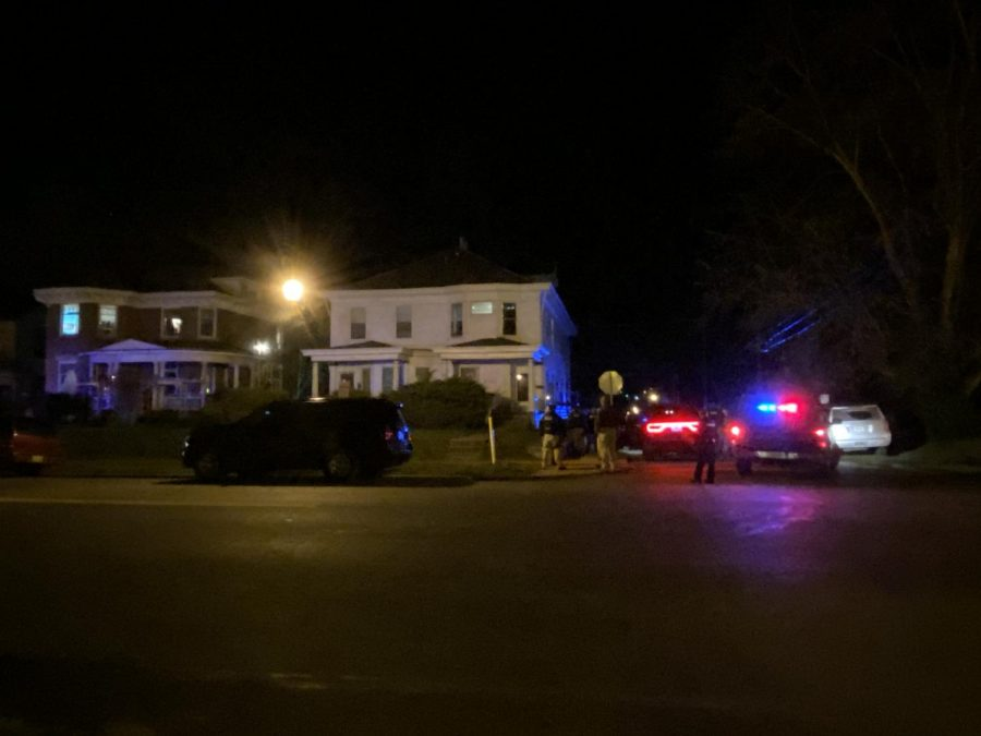 Zanesville fugitive wanted for attempted murder shoots self as police serve warrant