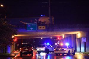 Crash closes I-70 in downtown Zanesville