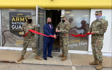 Col. Daniel Shank (second from right), Ohio assistant adjutant general for Army, and Zanesville Mayor Don Mason cut the ribbon to open the new Ohio Army National Guard storefront recruiting office in Zanesville, Ohio, July 30, 2020. Holding the ribbon are Sgt. Ken Whaley (left), the Zanesville-area recruiter, and Sgt. 1st Class Luke Lawrence, an OHARNG Recruiting and Retention Battalion team leader and Zanesville resident. (Ohio National Guard photo)