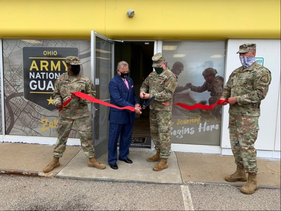 Col.+Daniel+Shank+%28second+from+right%29%2C+Ohio+assistant+adjutant+general+for+Army%2C+and+Zanesville+Mayor+Don+Mason+cut+the+ribbon+to+open+the+new+Ohio+Army+National+Guard+storefront+recruiting+office+in+Zanesville%2C+Ohio%2C+July+30%2C+2020.+Holding+the+ribbon+are+Sgt.+Ken+Whaley+%28left%29%2C+the+Zanesville-area+recruiter%2C+and+Sgt.+1st+Class+Luke+Lawrence%2C+an+OHARNG+Recruiting+and+Retention+Battalion+team+leader+and+Zanesville+resident.+%28Ohio+National+Guard+photo%29