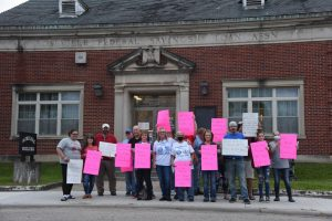 Protesters seek to remove Roseville mayor