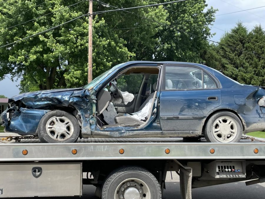 Three+transported+in+crash+Thursday