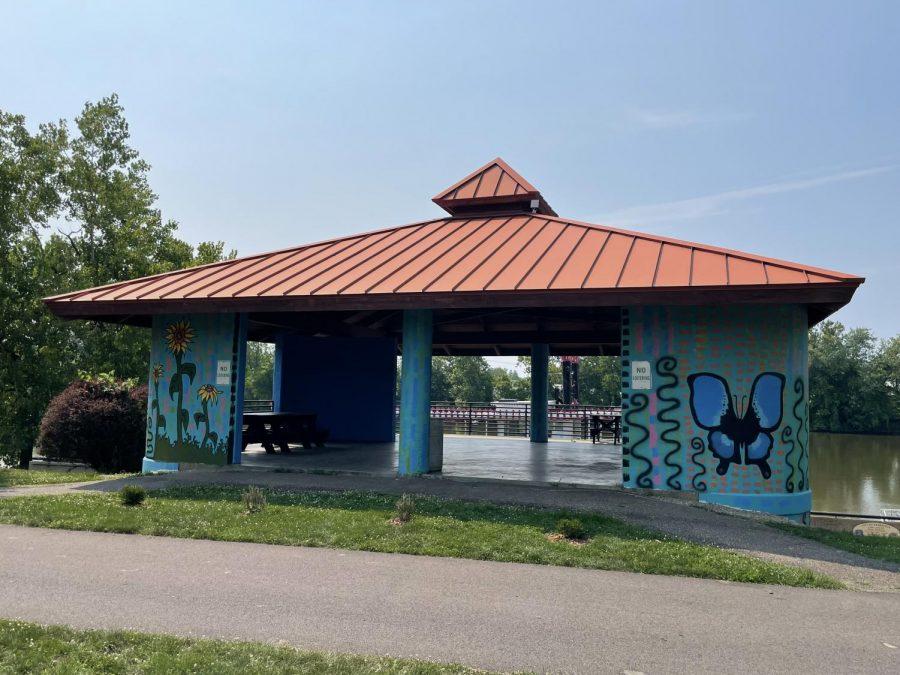 Local artist paints Zanes Landing pavilion
